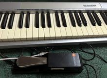 بيانو M-audio