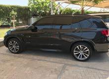 8 صور BMW X5 35i sport kit - warranty and service contract 2017 - 3727/ month DIB