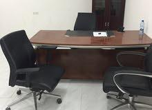مكاتب وكراسي للبيع