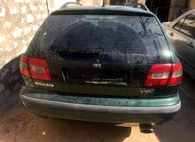 For sale 2004 Green V40