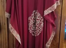 فستان راقي للبيع بحالة ممتازة لبسة واحدة