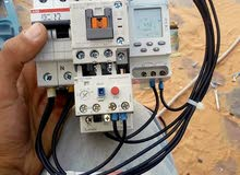 فني كهرباء منـازل وصناعية تأسيس وصيانة