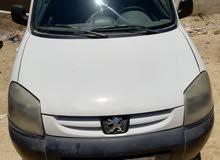فان نقل بيجو ( بارتنر ) 2012 لون ابيض للبيع