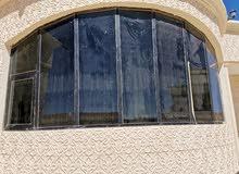 زجاج نوافذ دبل اسود وأبيض اللون مع الألمنيوم بلون اسود