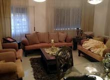 شقة جميلة جدا في ربوة عبدون وتشطيب روعة طابق تاني