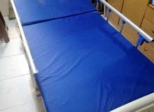 سرير طبي يدوي حركه واحده