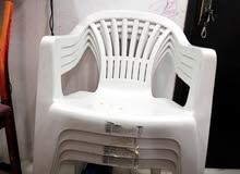 عدد  4 كرسي وفرن كهربي بحاله ممتازة السعر12 دينار