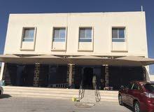 بناية للبيع في بركا - الشارع العام