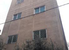 عماره مكونه من ثلاث طوابق وتسويه للبيع بسعر مغري جدا للاستثمار