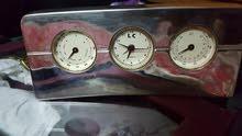 ساعة منضدية مع مقیاس حرارة والرطوبه