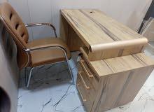ميز مكتبي للبيع مستعمل قليل بسعر 300الف