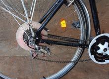 دراجة رقمها 28