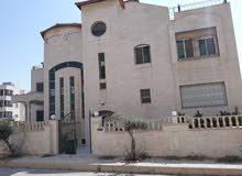 فيلا فاخرة مستقله  سعر خرافي في ارقى احياء تلاع العلي الغربي تقع على شارعين للبيع BBB