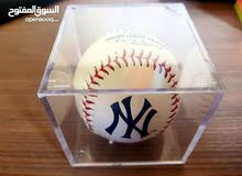 كرة بيسبول اصليه وجديدة من نيويورك يانكيز