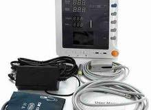 جهاز مراقبة للكبار او الاطفال لقياس دقات القلب و نسبة الاكسجين في الدم