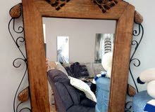 مرآه  خشب وحديد و زجاج تعلق ع الحائط