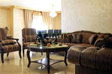 شقة ارضية للبيع في خلدا بالقرب من فندق سدين بمساحة 215م مع حديقة وكراج خاص و ترسات 170م