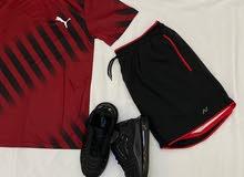 ملابس واحذيه للبيع