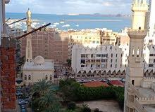 شقة 90م ببحرى بمجمع المساجد امام سيدى ياقوت مباشرة