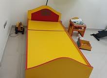 سرير اطفال مفرد مع وحدتين ادراج من الاسفل للتخزين