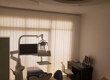 مركز لطب الأسنان     مجهز بالكامل  New & Ready Dental Center for sale