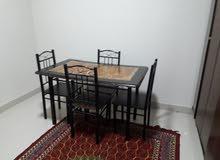 غرفة نوم ومجلس ومكيفات وترابيزة سفرة للبيع