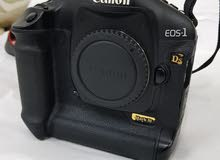 Canon 1Ds iii - mark 3 Full fream camra Body  High professional camra.   Very go