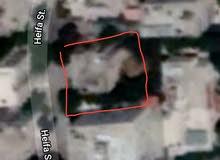 بيت مستقل مكون من طابقين للبيع في جبل الحسين