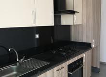 شقة فارغة للإيجار السنوي مساحتها 96 متر مربع