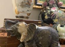 مجسم فيل منحوت من اليشب