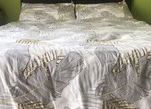 black bed queen size