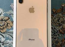جهاز للبيع ايفون Xs ماكس ذاكره. 256 الون ذهبي على وردي نقال مكفول من اي عطل
