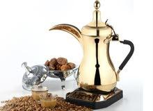 قهوجي يمني خبره طويله في تقديم القهوه وانواع الشاي ومنسق وتجهيز الحفلات