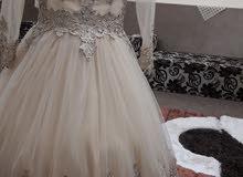 فستان سهرة منفوش بالحديدة