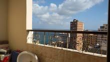 شقة مميزة علي البحر