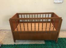 سرير طفل خشب
