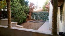 شقه طابق ارضي للبيع في دير غبار 195 متر مع حديقه