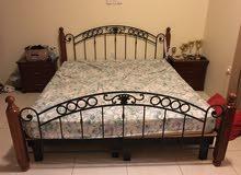 سرير حديد بحالة جيدة جداً