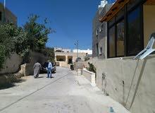 شقة طابق اول مسطح 120متر. + السطح  للبيع وادي الحلبي  قرب مسجد الريان