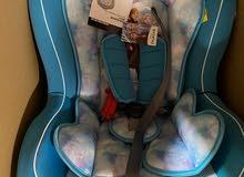    للبيع مقعد سيارة للاطفال