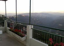 بيت مري، للايجار شقة 220م2 مع تراس كبيرة  مطلة عل جبال