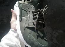 Nike/adidas/airach