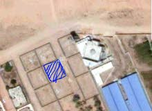 قطعة ارض 500 متر ... واجهتها 25 متر