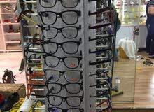عارظات نظارات و ساعات للبيع