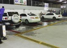 مغسلة سيارات للبيع مجهزه بالكامل بموقع ممميز