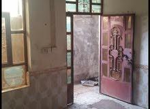 بيت للايجار والبيع في منطقه الحميديه مساحه 100 متر بي محل لعائله صغيره
