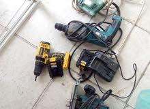 معدات كهربائيه ومقص حجر