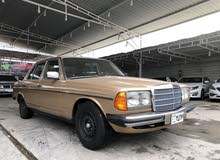 Automatic Gold Mercedes Benz 1984 for sale