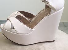 حذاء بكعب