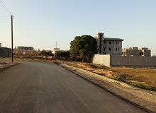 584م واجهتين تنقسم بالقرب من سوق تبارك